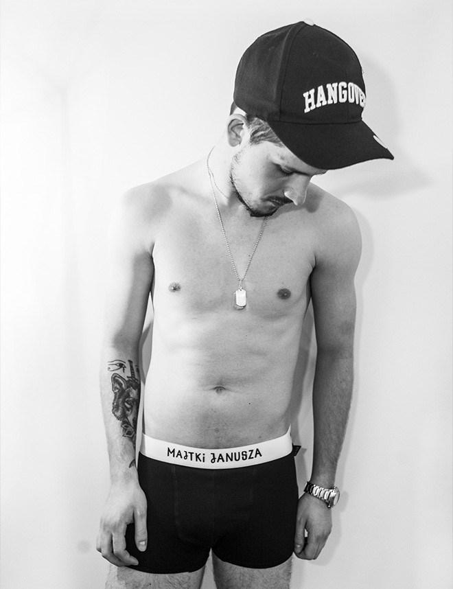 UNIVERSAL APART - IDENTYFIKACJA I PROJEKT WWW